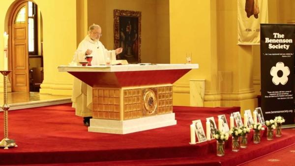 Fr Chris Middleton SJ celebrates the Mass.